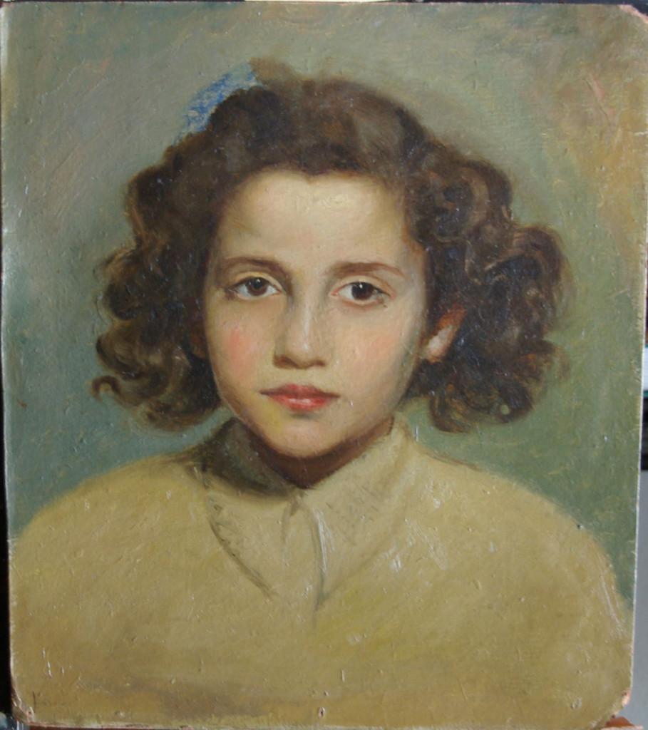 Rosario Carrillo en ocre